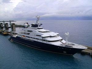 800px-octopus-yacht