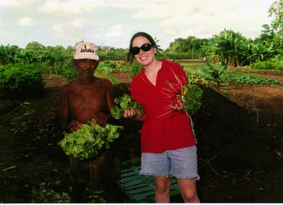 01 Clara_with farmer