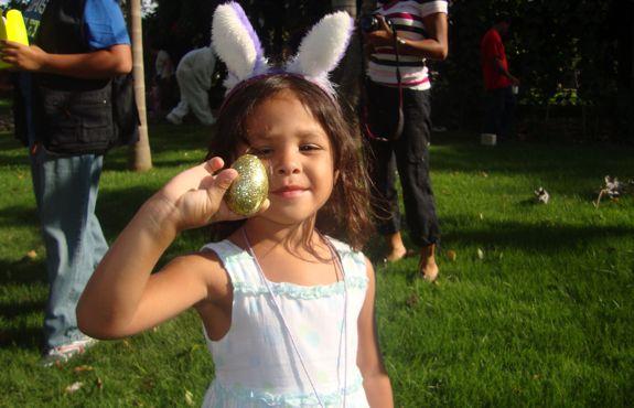 Camila found the golden egg! Casa de Campo Living Easter Egg Hunt