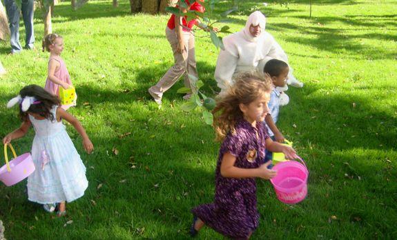 Casa de Campo Living's Easter Egg Hunt in Altos de Chavon running