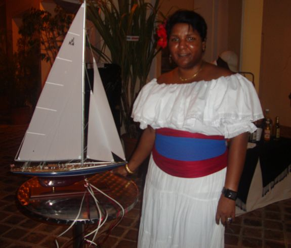 bleu marina, noche dominicana, casa de campo living