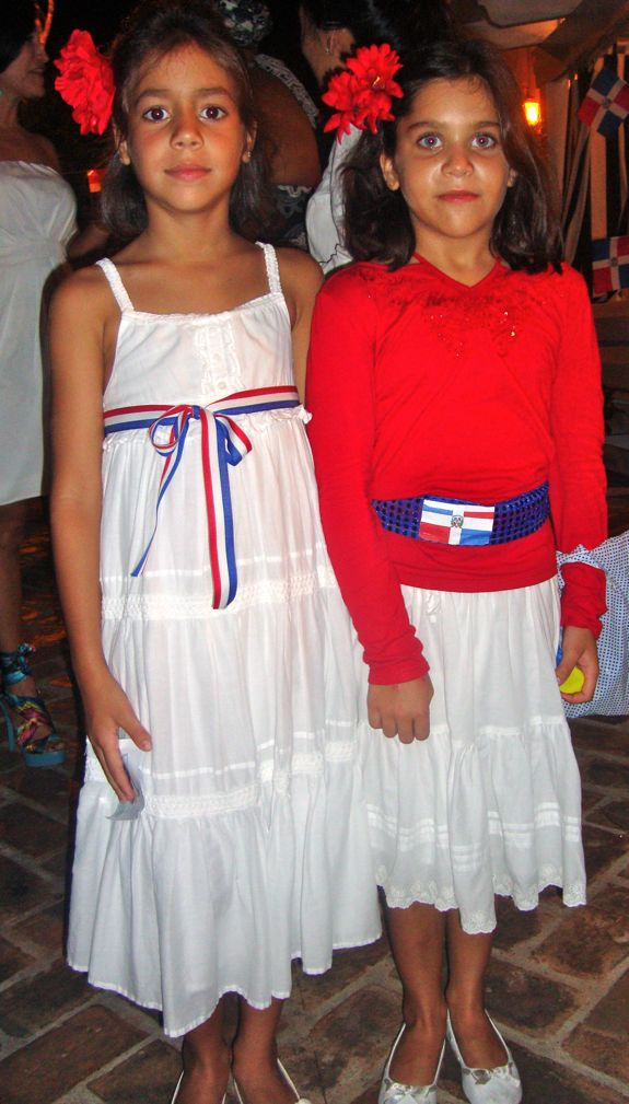 noche dominicana costume contest, casa de campo living