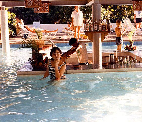 01 children at the Casa pool.jpg