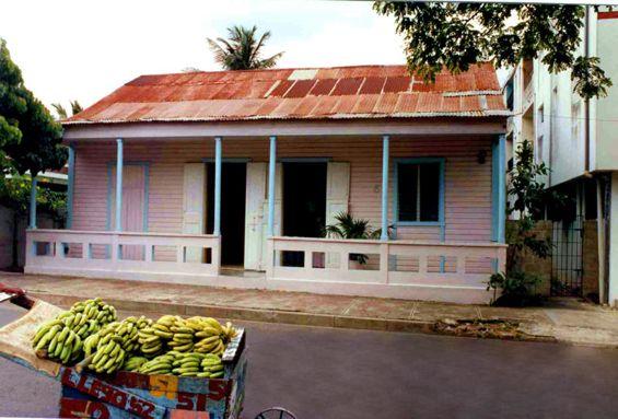 08 House with Open-Door