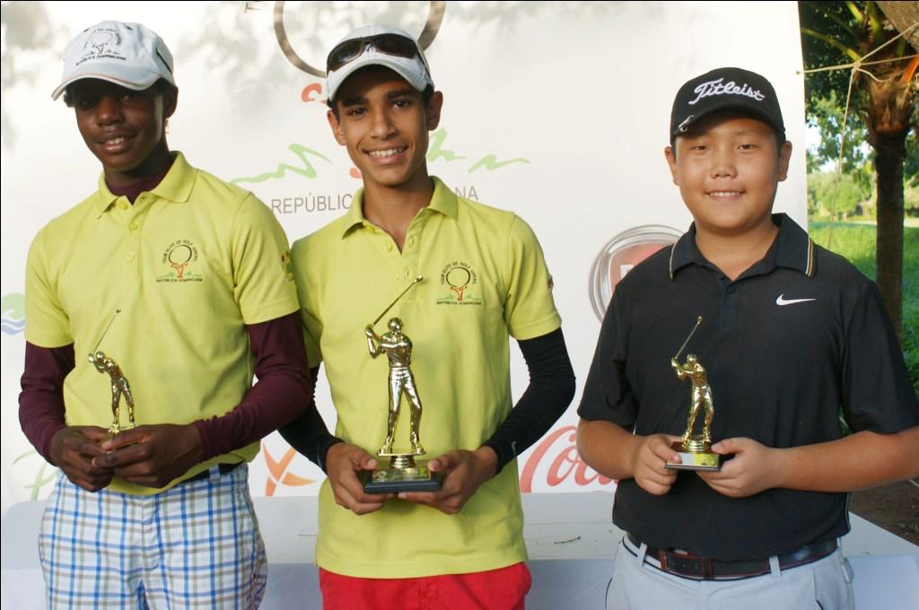 Los finalistas de 11.13 años,  Nicolás Caimari (2), Jean Marco R usso Martinez (1) y el novel Jo Ji n Kang (3), en Casa de