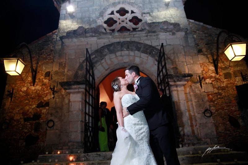Rebeca Diep Wedding Header