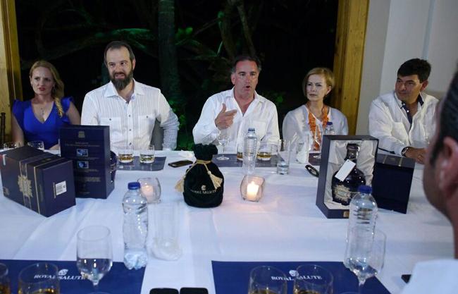 Ken Lindsay, Philip Silvestri, Rebecca Hughes, Casa de Campo