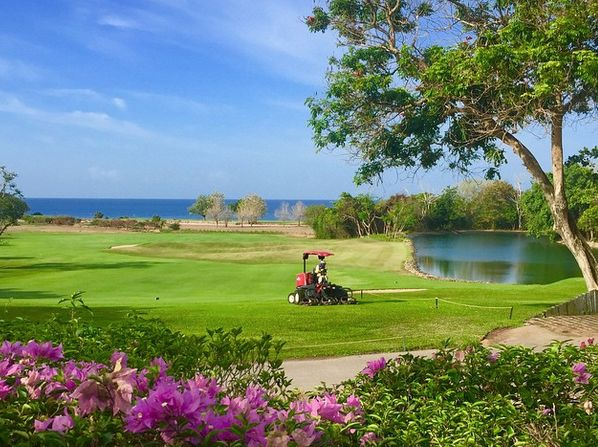Teeth of the Dog, Casa de Campo