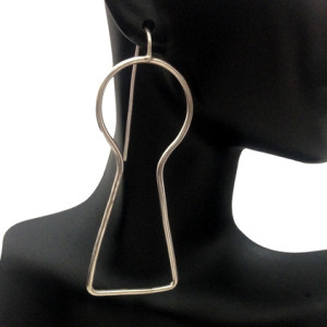CR Oversized Earring
