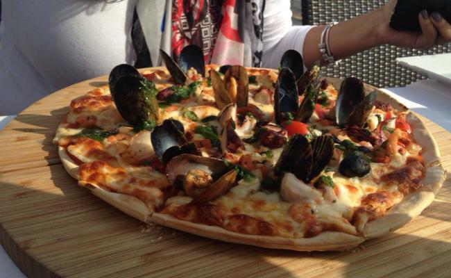 Luz Mar Gastropub Mussels Pizza