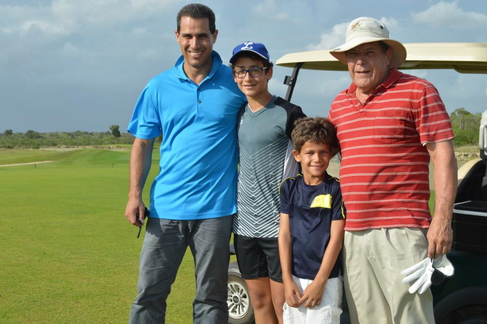 Luis, Gabriel, David y Luichi Garcia-Dubus