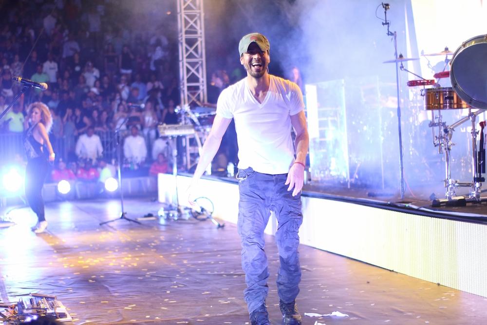 Enrique Iglesias, Gente de Zona concert Chavón